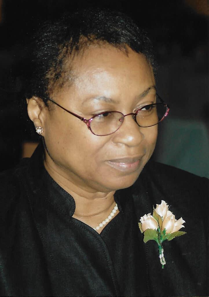 A portrait of Robie Siamwiza, ZOA-Z trustee, to accompany her biography