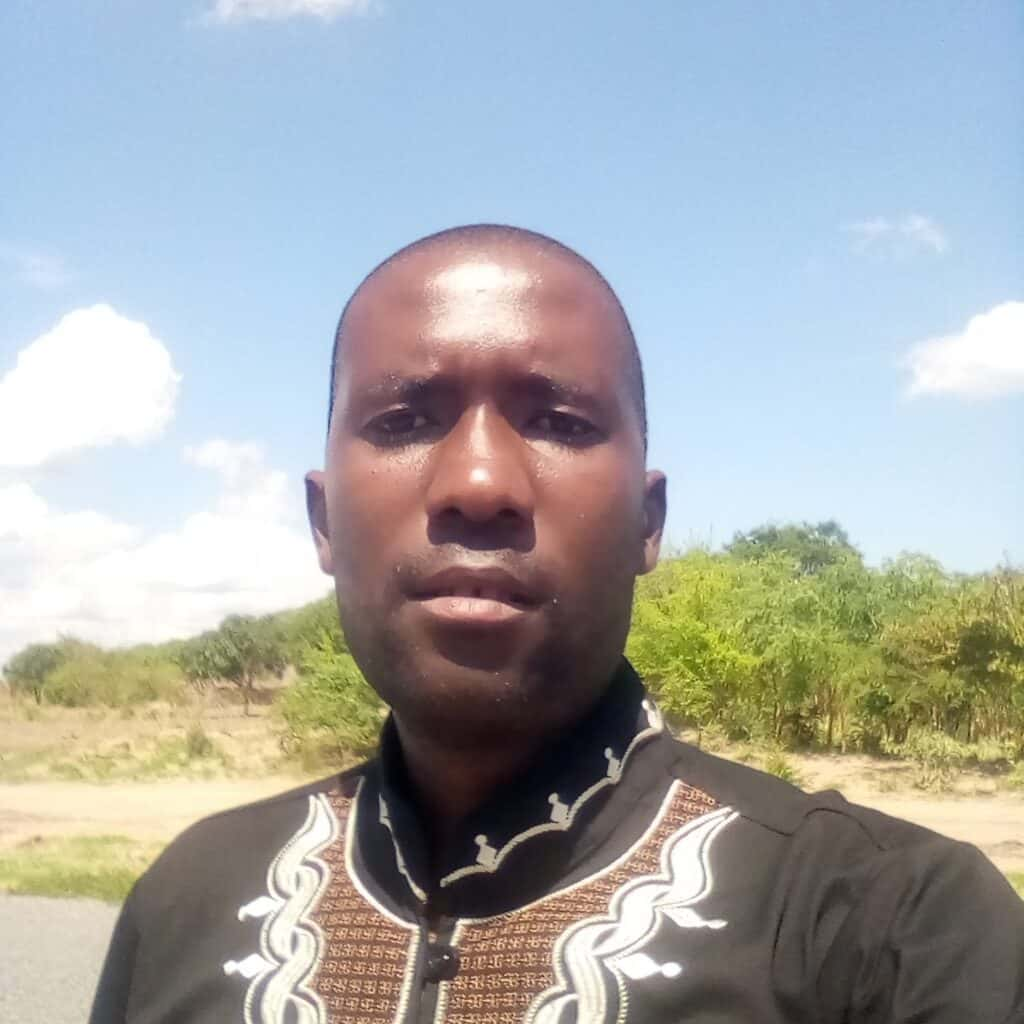 A portrait of Ben Nonde Lwatula, project officer, Kasama for ZOA-Z, to accompany his biography